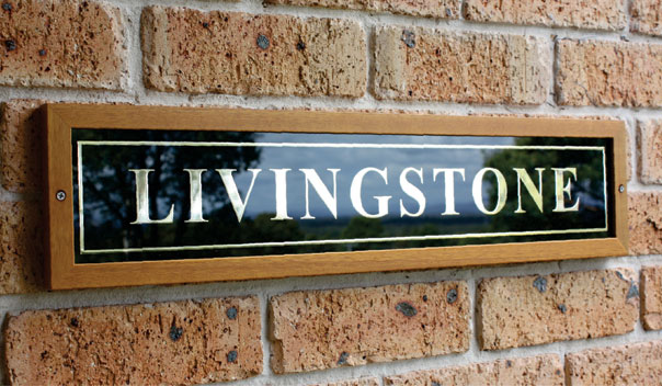 House signs house number signs plaques and plates for Classic house name plates